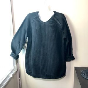 Sweaters - Black knit sweater